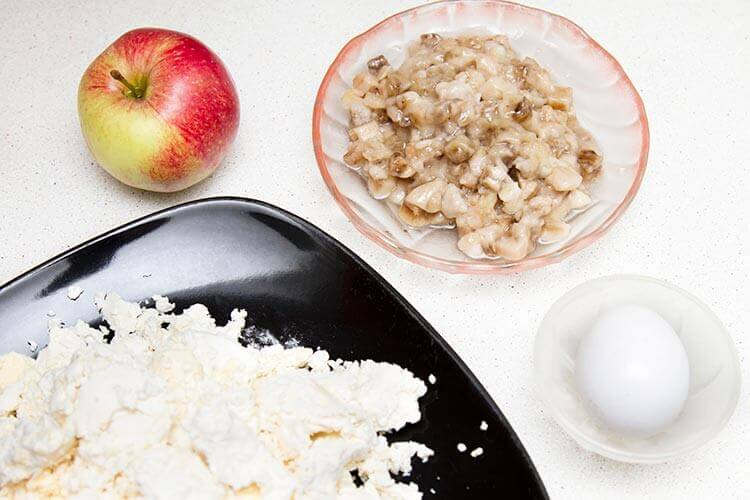 ингредиенты для сырников с бананами и яблоками картинка